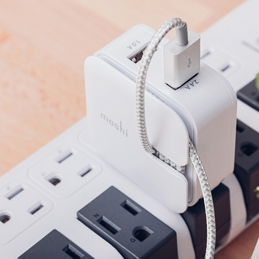 Кабель USB Cable with Lightning Connector Moshi Integra Jet Silver (1,2 m)
